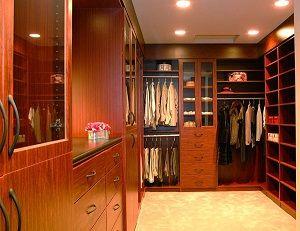 Идеи для дизайна проекта маленькой гардеробной комнаты, фото.