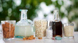 Как и чем подкормить рассаду перцев и баклажанов? Как правильно это делать? Описание традиционных удобрений и народных методов подкормки