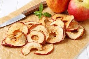 Как сушить яблоки в домашних условиях на балконе и чердаке?