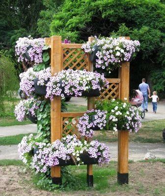 Вазоны для вертикального озеленения подвесные и на подставках